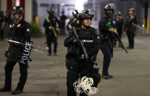 Divlji zapad se vraća na VELIKA VRATA: Sve više ubistava i kriminala u Americi, sve manje policije