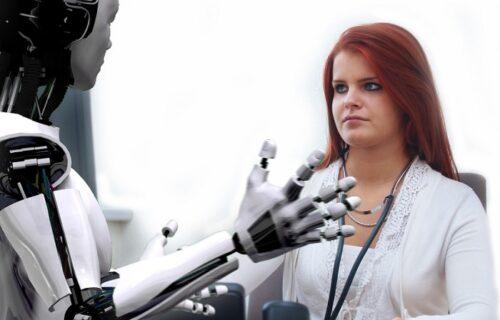 """Roboti će za 5 godina """"ugasiti"""" 85 miliona radnih mesta"""