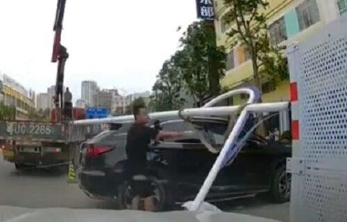 Sada da slavi 2 rođendana: Muškarac stajao na ulici, a onda mu je kran pao tik kraj GLAVE (VIDEO)