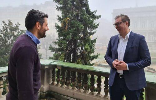 """""""Kratka jutarnja šetnja na terasi"""": Vučić se sastao sa Šapićem u Predsedništvu"""