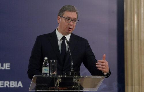 """Vučić osudio OPASNU poruku protiv vakcina: """"Da kažemo onima koji su izgubili najmilije da NE VALJAJU?"""""""