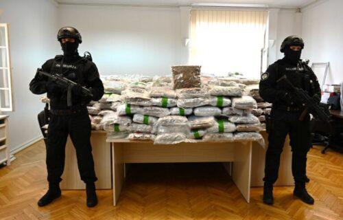 Ogroman ulov srpske policije: Dileri uhvaćeni dok su pakovali 628 KILOGRAMA droge kod Aranđelovca