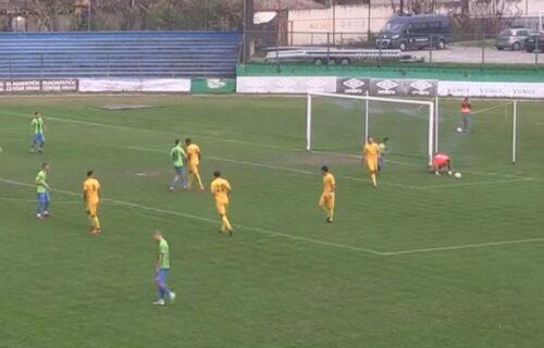 Novi skandal u srpskom fudbalu: Golman strašno kiksnuo, primio gol i demonstrativno napustio igru (VIDEO)