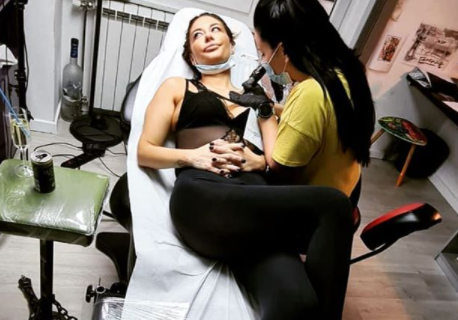 Ana Nikolić spremila POSEBAN poklon majci: Ono što je istetovirala zauvek će je podsećati na nju (FOTO)
