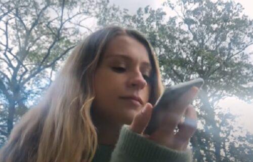 """Kraj za """"muke u glavi"""": Danima pevušite neku pesmu, a ne znate KAKO se zove? Evo kako da saznate (VIDEO)"""