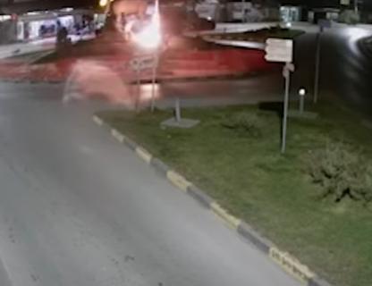 Pojavio se JEZIV snimak: Pogledajte kako su pokušali da ZAPALE srpsku zastavu u Gračanici (VIDEO)