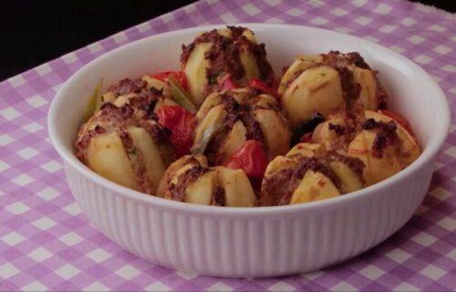 Večera za celu porodicu: Slastan krompir punjen mlevenim mesom (RECEPT+VIDEO)
