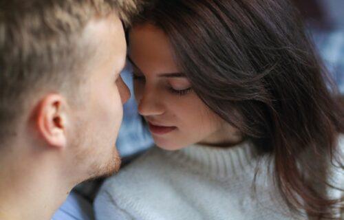 Strogi PROTOKOL: Moja devojka ima vrlo STRIKTNA pravila prilikom vođenja ljubavi, evo šta uvek traži