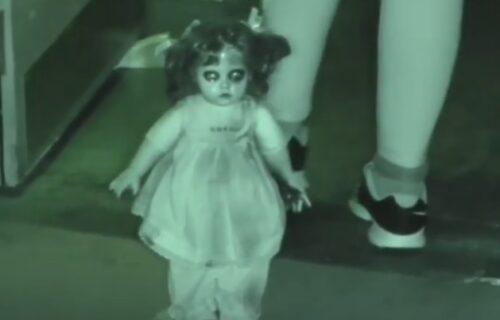 """""""Zaposednuta je!"""": Lovac na paranormalno SNIMAO satima LUTKU, a onda se frapirao (VIDEO)"""