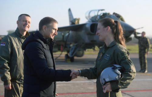 Vojska Srbije dobila prvu ŽENU PILOTA jurišnog borbenog aviona: Ministar Stefanović uputio čestitke