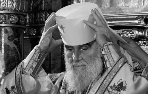 Oglasio se vladika koji je bio uz patrijarha u poslednjim trenucima: Pogledajte šta je rekao KROZ SUZE