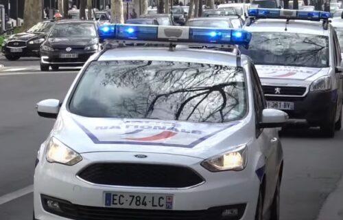 Srbin pokušao da UBIJE zemljaka u Francuskoj koji ga je ugostio: Trčao sa harpunom zabodenim u GLAVU