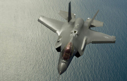 Američki F-35 izbacuje nuklearnu bombu u Nevadi: Prvi snimak s kojeg je skinuta oznaka tajnosti (VIDEO)