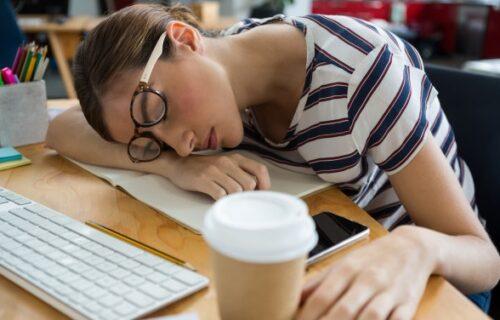 U ovoj zemlji spavanje na poslu je OBAVEZNO, a neki su uveli i specijalne SPAVAĆE sobe za to