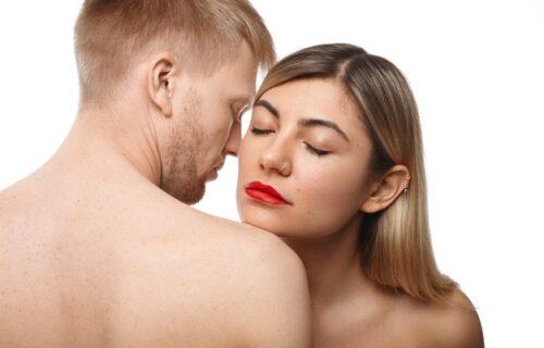 Sumnjate da vas partner VARA? Ekspert za govor tela otkriva 4 bitna znaka koja UKAZUJU da je neveran