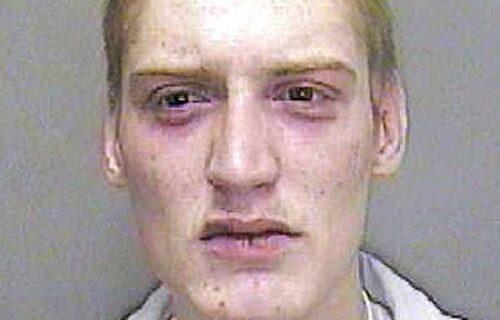 Mučio, pa ubio bebu svoje devojke: Zatvorenici saznali za sve i ZAKLALI ga ostavivši BRUTALNU poruku