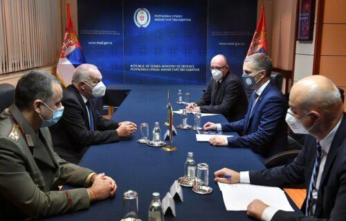 Ministar Stefanović sa ambasadorom Vlajkovim: Srbija ima nameru da jača dobrosusedske odnose sa Bugarskom