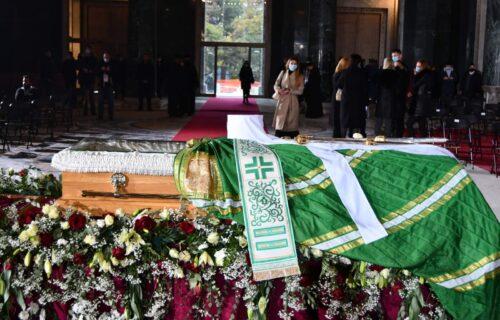 Poslednji oproštaj od patrijarha Irineja: Služi se zaupokojena liturgija u Hramu Svetog Save