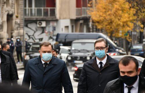 Predsednik Vučić stigao na sahranu: Poslednje odavanje počasti preminulom Irineju (FOTO)
