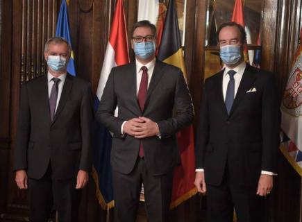 Važan sastanak: Vučić sa ambasadorima Belgije i Holandije (FOTO)