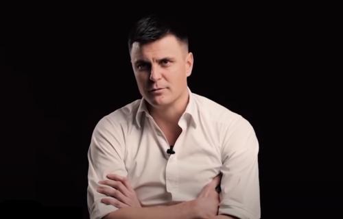 Vuk Kostić drugi put dobio koronu: Teško govori, ima upalu oba plućna krila