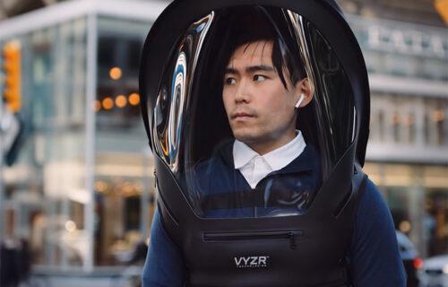 """Specijalna kaciga čuva zdravlje: Kanađani nude rešenje za """"prljav"""" vazduh (VIDEO)"""