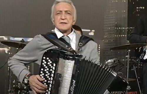 Sin Mirka Kodića radi kao BARMEN i ponosan je na to: A gazda mu je naš proslavljeni KOŠARKAŠ!