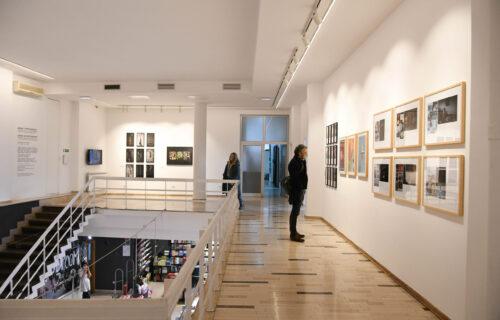 Praznik umetnosti u centru Beograda: Objektiv na otvaranju tri izložbe koje će obeležiti decembar (FOTO)
