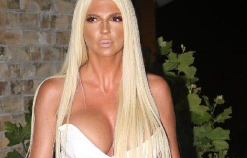 Karleuša kao seksi KAUBOJKA ostavlja bez daha: GUZA u prvom planu i isplažen jezik (FOTO)