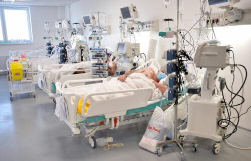 Mračne MISTERIJE korone: Mladi u Srbiji gube noge, umiru IZLEČENI ljudi, lekari gledaju scene iz filmova