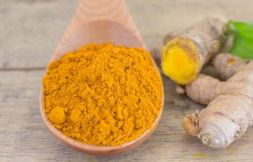Zlatni LEK: Kako se koristi kurkuma sa medom i šta sve leči (RECEPT)