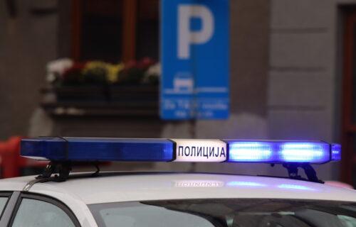 GORE AUTOMOBILI u Beogradu: Vatra guta dva vozila kod Brankovog mosta (VIDEO)