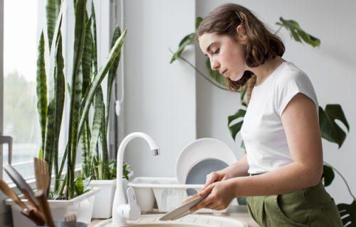 Poboljšajte koncentraciju pranjem SUDOVA: Odlična vežba za BOLJE funkcionisanje mozga