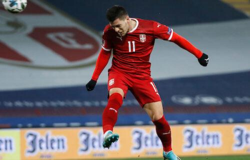 """Luka Jović posle gola """"pecnuo"""" saigrača: Odigraj nekad loptu!"""