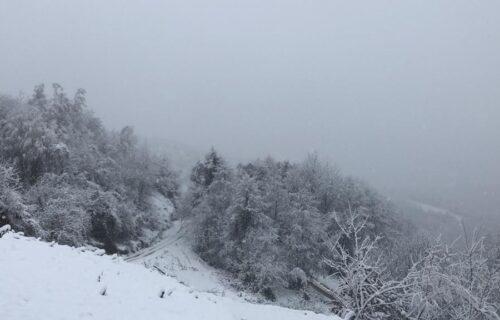 Sneg okovao Srbiju, ljudi EVAKUISANI: Jedna opština proglasila VANREDNU situaciju, 70.000 bez struje
