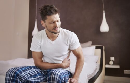 Često osećate bol sa LEVE strane STOMAKA? To može da ukazuje na nekoliko zdravstvenih tegoba