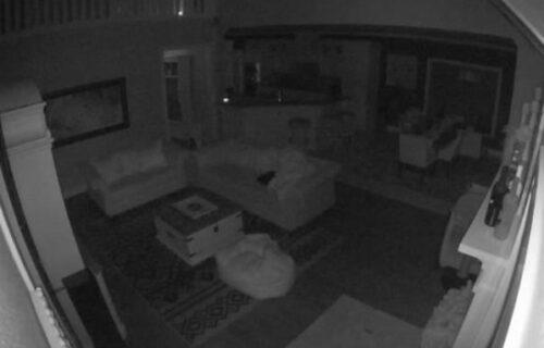 Sobom se samo prolomio VRISAK: Ukućani ubeđeni da je u kući bio DUH (VIDEO)