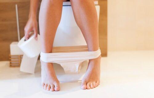 Profesor Ivan instalirao KAMERU u ženski toalet, pa SNIMAO koleginice, kad je jedna slučajno otkrila sve!