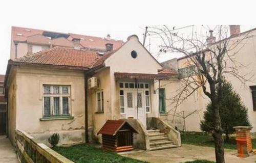 Prepoznajte li ovu kuću? Ovde je živela jedna od naših omiljenih televizijskih porodica