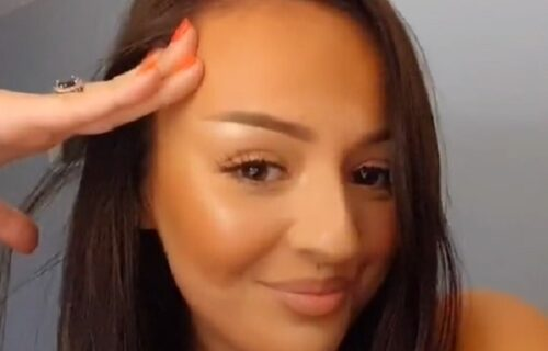 """""""Da li si ti normalna?"""" Uradila PRVU tetovažu iznad ZADNJICE, ubili je u pojam zbog slike (VIDEO)"""