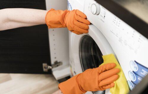 Želite efikasno da očistite vašu MAŠINU za veš? Zablistaće uz pomoć samo 2 sastojka (VIDEO)