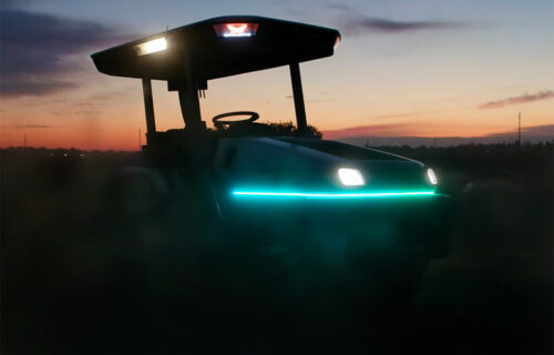 Električni Monarch je najpametniji traktor na svetu (VIDEO)