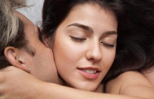 """Da """"mmm"""" i """"ahhh"""" ne budu jedino što izgovarate: Naučite kako da zaista ZVUČITE SEKSI u krevetu"""