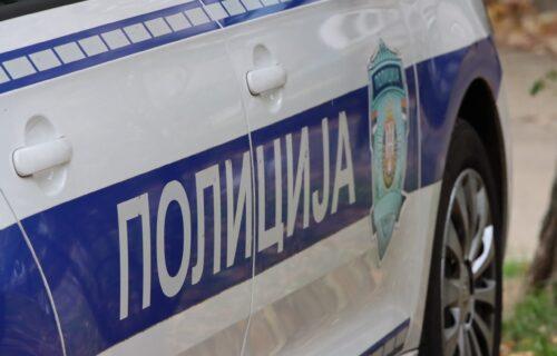 Užas u Prokuplju: Ukrali automobil, izazvali nezgodu, pa ga zapalili