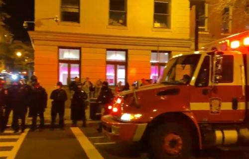 Haos u Vašingtonu, Amerika GORI: Četiri osobe IZBODENE, desetine uhapšenih (VIDEO)