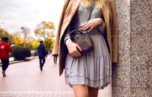 Otkrijte neverovatan trik: Kako da nosite SUKNJU po hladnom vremenu, a da vam bude TOPLO? (VIDEO)