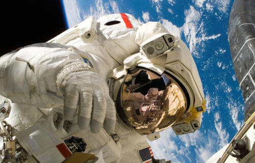 Ko će prvi IZGRADITI BAZU na Mesecu? Nadmeću se tri velesile i jedan biznismen (VIDEO)