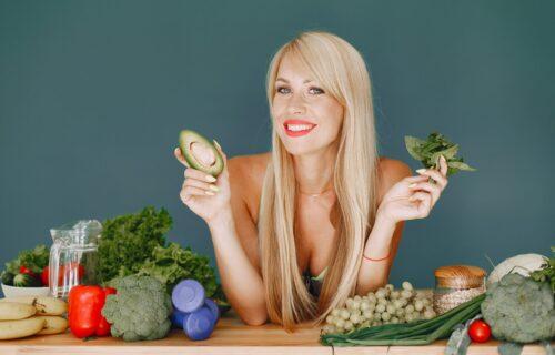Razmislite dvaput: Evo šta bi se desilo vašem telu ako biste potpuno PRESTALI da jedete VOĆE i povrće
