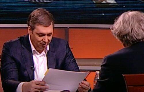 Vučić je OVIM PAPIROM razbio laži: Predsednik otkrio dokument iz 2007. godine o priznanju Kosova (FOTO)