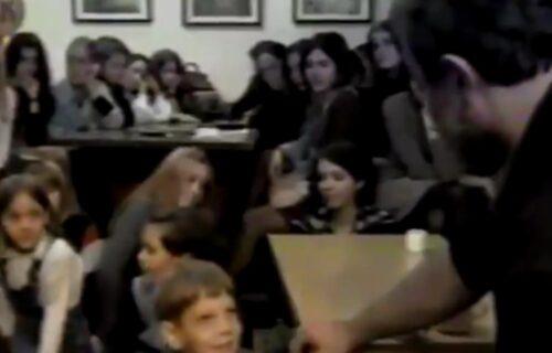 Ovo su ŠOK snimci u kojima Mika Aleksić ZLOSTAVLJA DECU! Pogledajte šta je radio svojim učenicima (VIDEO)